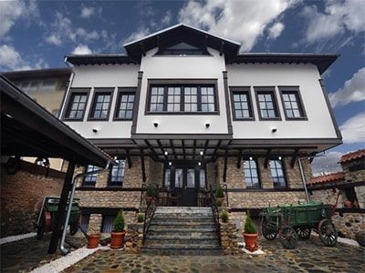 tours/accommodation bitola