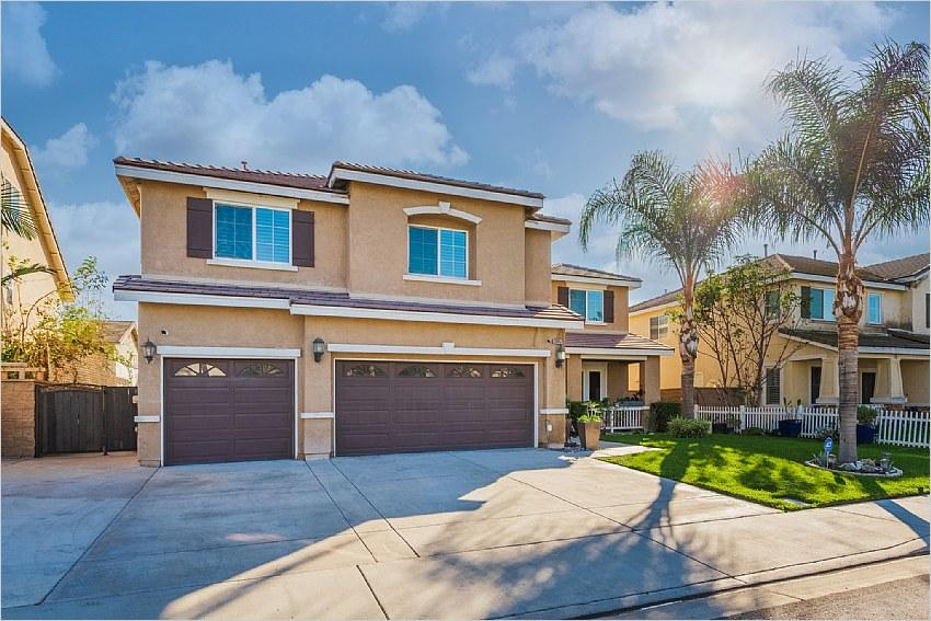 Elfyer - Eastvale, CA House - For Sale