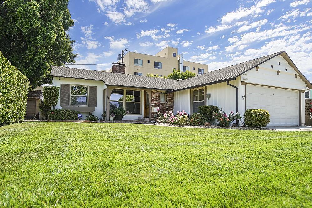 Elfyer - Valley Glen, CA House - For Sale