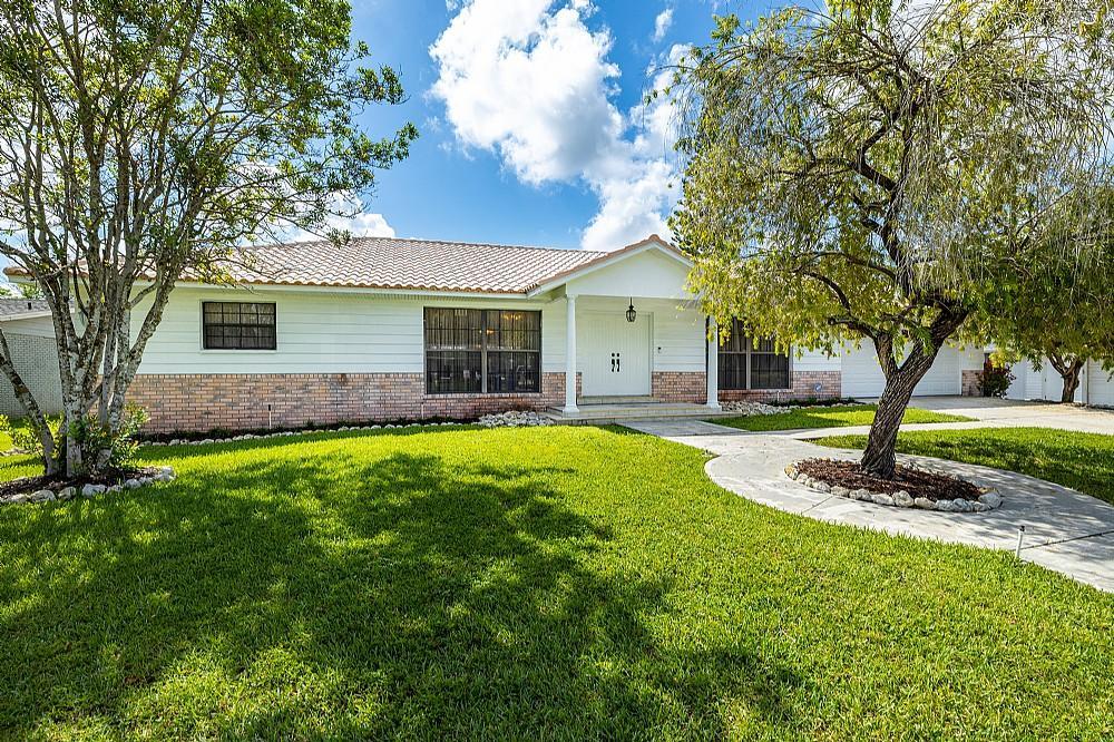 Elfyer - Largo, FL House - For Sale