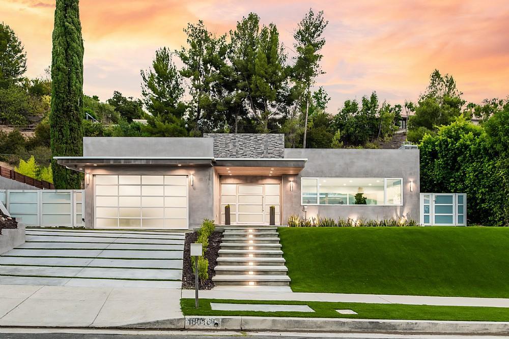 Elfyer - Encino,  House - For Sale