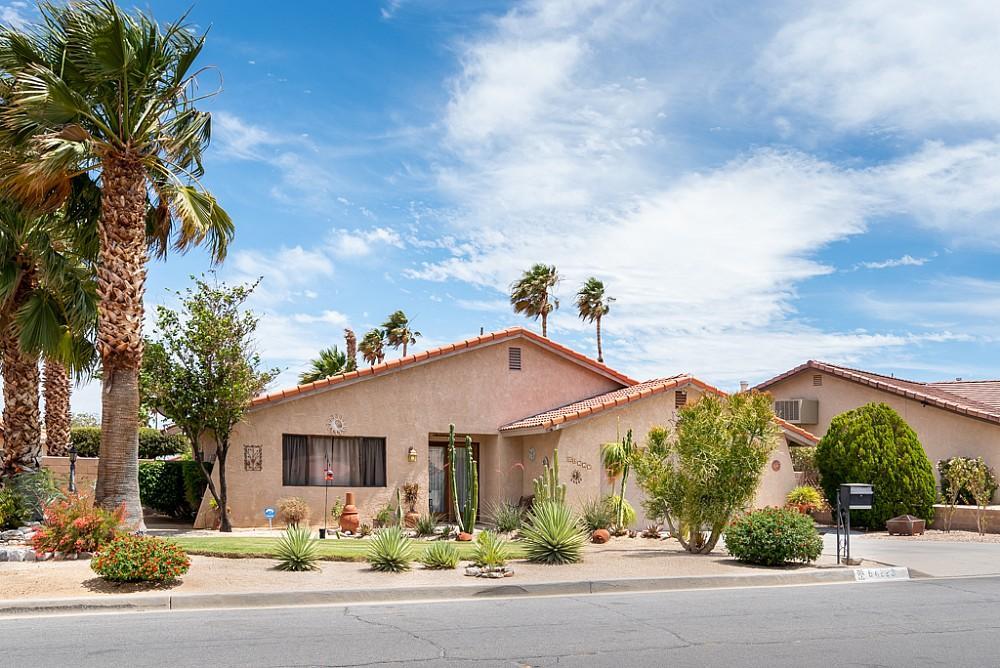 Elfyer - Desert Hot Springs,  House - For Sale