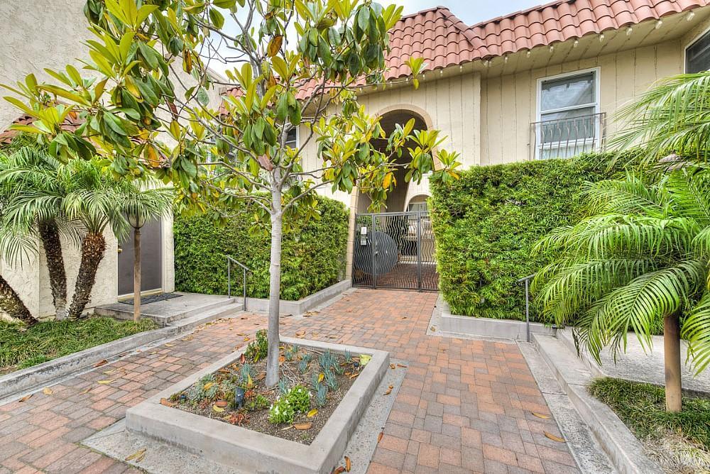 Elfyer - Playa Del Rey, CA House - For Sale