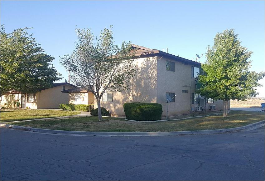 Elfyer - Rosamond, CA House - For Sale