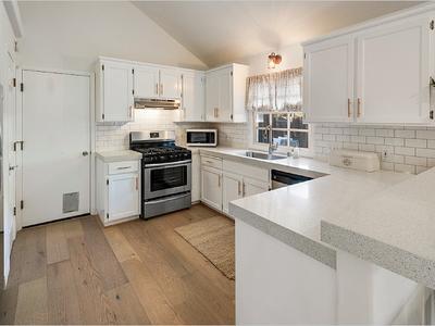 Elfyer - Hopland, CA House - For Sale