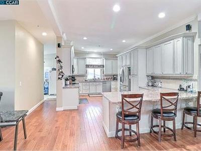 Elfyer - clayton, CA House - For Sale