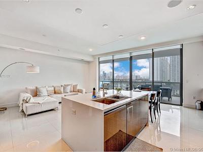 Elfyer - AVENTURA, FL House - For Sale