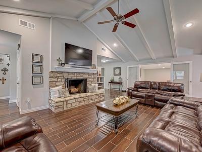 Elfyer - Conroe, TX House - For Sale