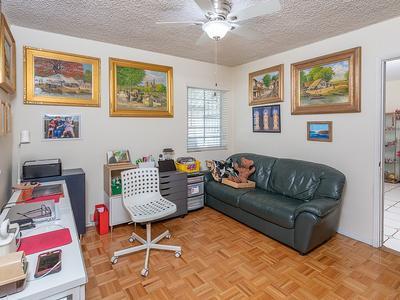 Elfyer - Burbank,  House - For Sale