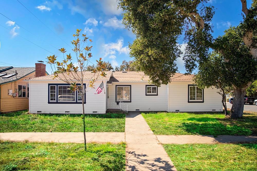 Elfyer - Monterey, CA House - For Sale