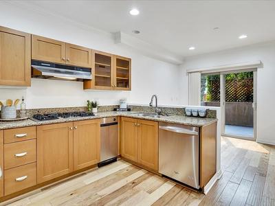 Elfyer - Los Angeles,  House - For Sale