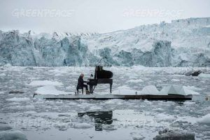 16/06/2016 Wahlenbergbreen Glacier, Svalbard, Norway Greenpeace holds