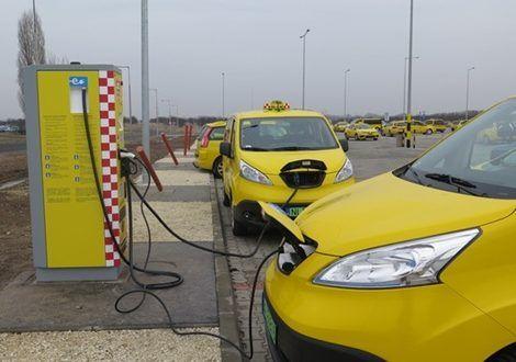 Csak elektromos taxikkal számol a főváros a jövőben   Greenport - ClimeNews