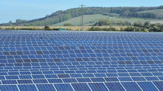Az esős Egyesült Királyságban leverte a napenergia a szenet - ClimeNews