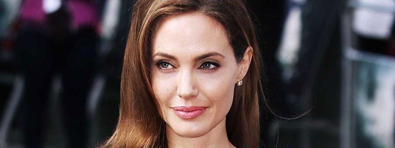 Angelina-Jolie-Breast-Surgery