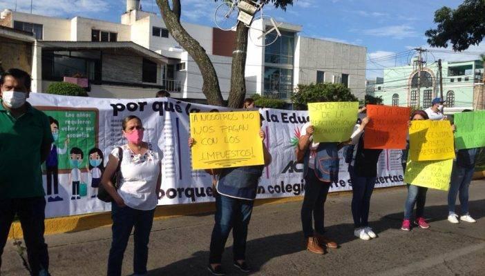 Colegios de Jalisco exigen a Alfaro que les permita trabajar