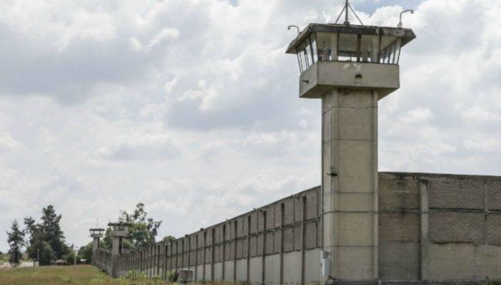 Comienza el traslado de reclusos del penal federal de Puente Grande