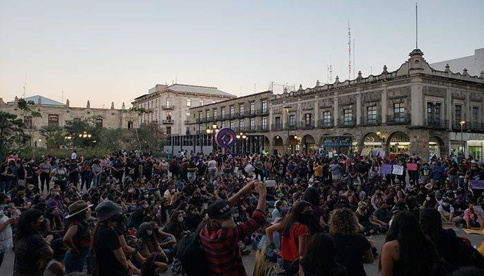 Centro Histórico tuvo performance por Día de la Mujer