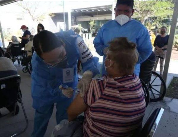 Mañana inicia la vacunación para adultos mayores en Zapopan