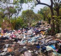 Vecinos de San Esteban forman basurero clandestino en el Río Pitillal