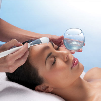 Get a glowing skin with oxygen facial