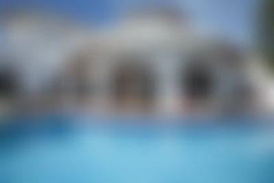 Lola Rustieke en comfortabele villa in Altea, aan de Costa Blanca, Spanje  met privé zwembad voor 8 personen...