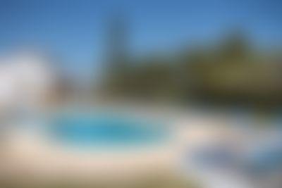 Adsubia 22 Grote en comfortabele villa in Javea, aan de Costa Blanca, Spanje  met privé zwembad voor 22 personen...