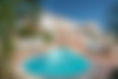 Party Villa Albufeira STRIP CENTRUM Grote en comfortabele villa  met privé zwembad in Albufeira, aan de Algarve, Portugal voor 10 personen...