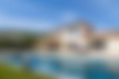 Frijns  villa de luxe merveilleuse  avec piscine privée à Côte d'Azur, Provence Alpes Cote d'Azur, France pour 10 personnes...