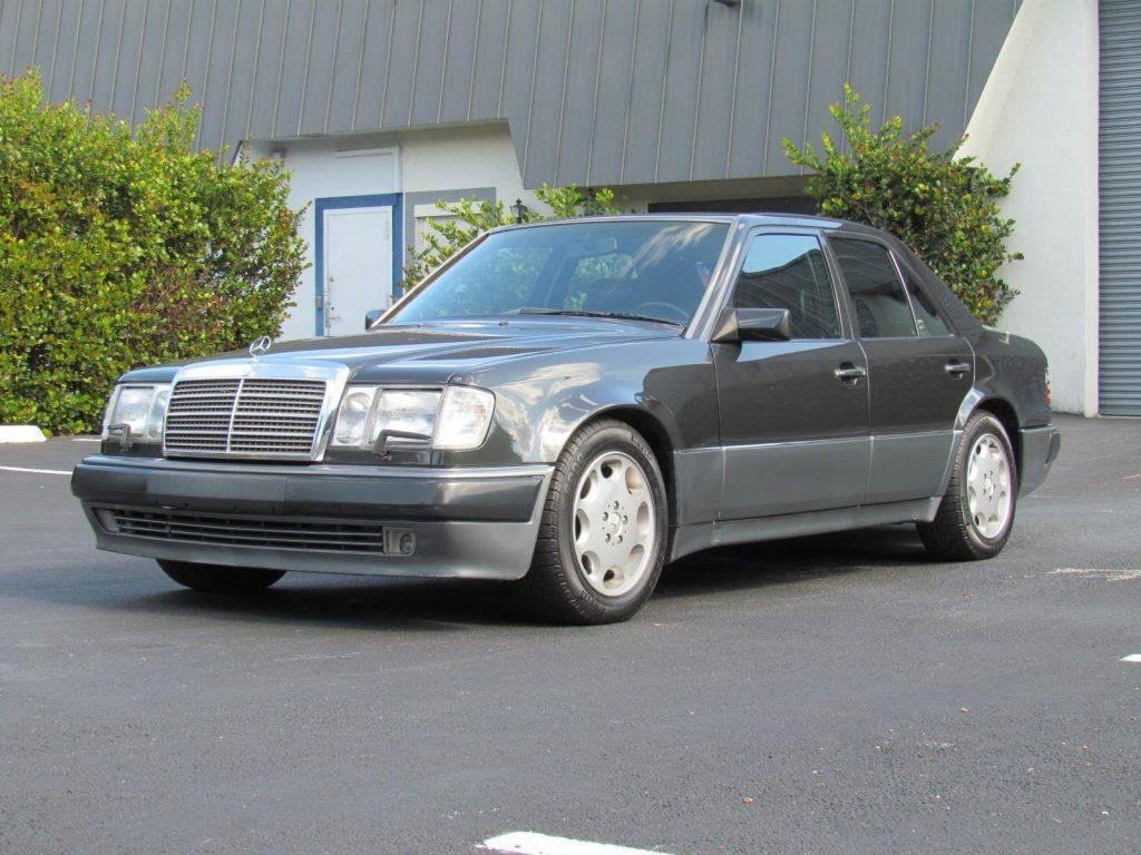 NICE 1993 Mercedes Benz 500E