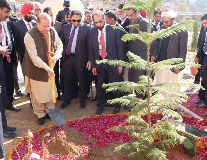 at-hindu-temple-pakistan-pm-reaches-out-to-minorities