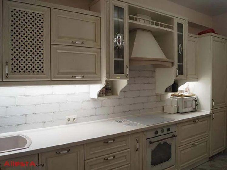 pryamaya kuhnya iz massiva 9 17 v klassicheskom stile foto 1 748x561 - Кухня №9-017 фото и цены