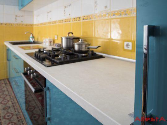 sovremennaya pryamolinejnaya sinyaya kuhnya 2 038 foto 12 540x405 - Кухня №02-038 фото и цены