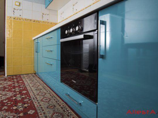 sovremennaya pryamolinejnaya sinyaya kuhnya 2 038 foto 13 540x405 - Кухня №02-038 фото и цены