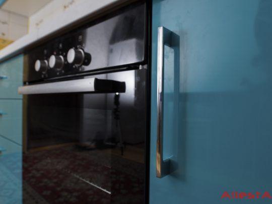 sovremennaya pryamolinejnaya sinyaya kuhnya 2 038 foto 3 540x405 - Кухня №02-038 фото и цены