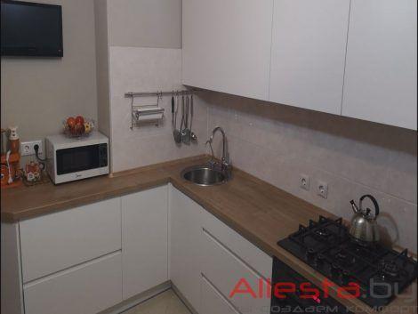 Belaya kuhnya s integrirovannymi ruchkami 03 019 1 470x353 - Кухня №03-019 фото и цены