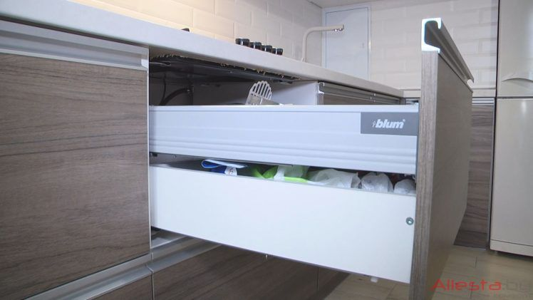 kitchen12 049 18 748x421 - Кухня №12-049 фото и цены