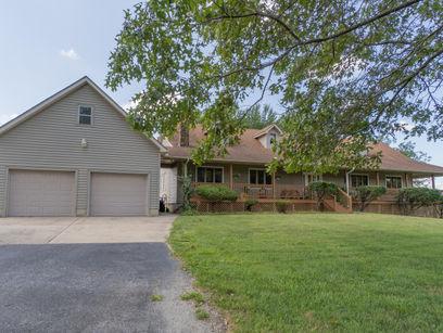 property 5621 Farm Road 175
