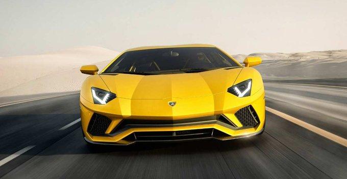 මෝටර් රථ ලොවේ කුළු හරකා - Lamborghini Aventador