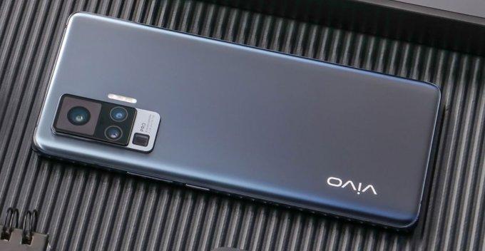 Samsung ලගෙ කැමරාවට challenge කරන ලොව සිහින්ම 5G smart phone එක - VIVO X50