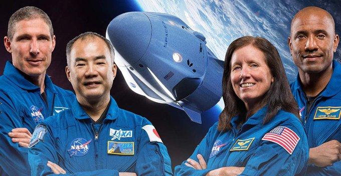 Crew-1 කණ්ඩායම ISS එකට සාර්ථකව ඇතුල් වෙයි
