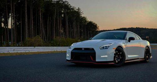 ලෝකෙටම 50ක් පමණක් නිපදවෙන Nissan GT-R (Godzilla)