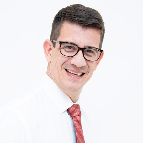 Dr. Carlos Eduardo Amorelli