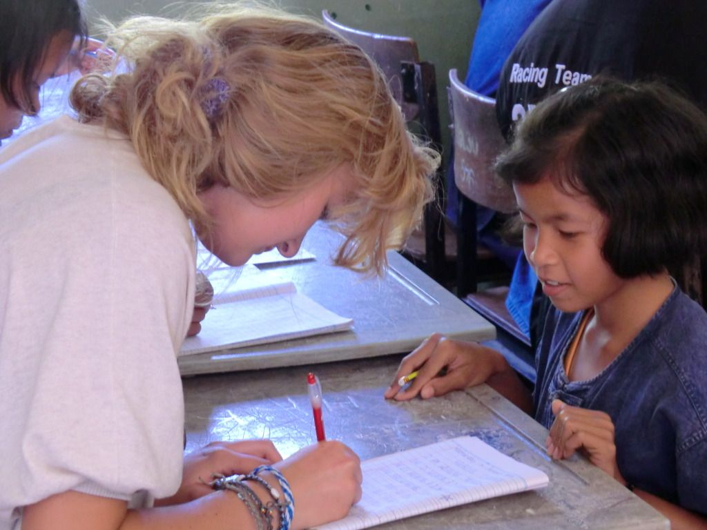 Helping a student to learn English as a foreign language