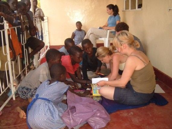feel at home with a host family while you travel in Africa