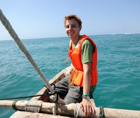 Best summer abroad experience for university students - volunteer and adventure