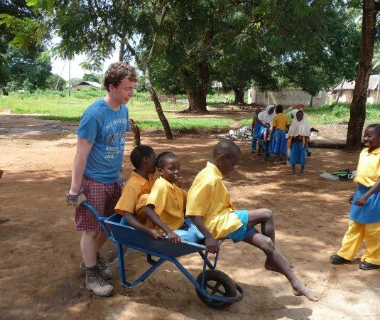 Summer volunteering program - university or college students
