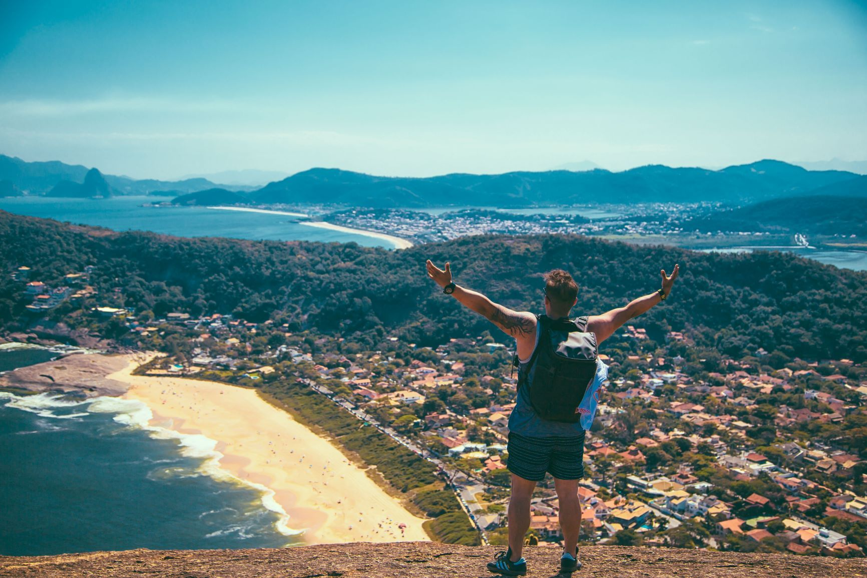 Here's Why Taking A Gap Year During University Is The Best!
