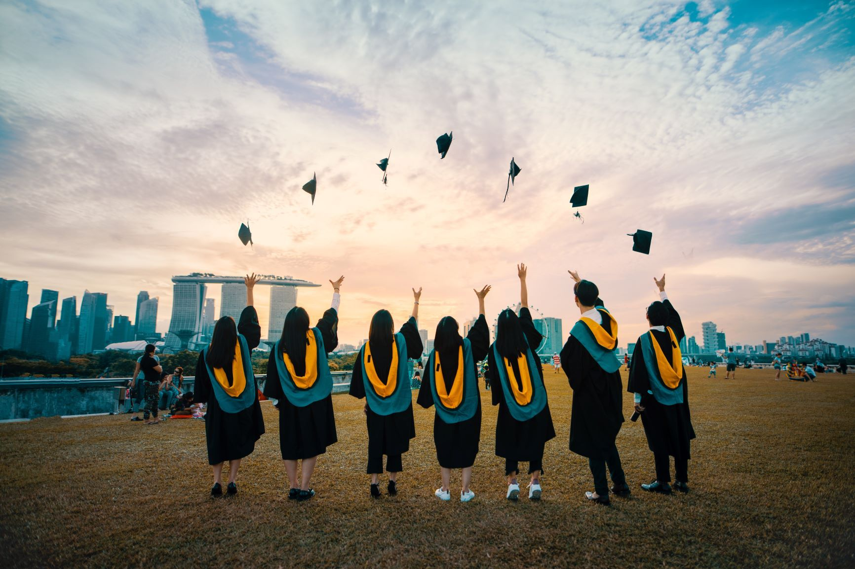 Taking a Gap Year during university, you can still graduate with your friends.