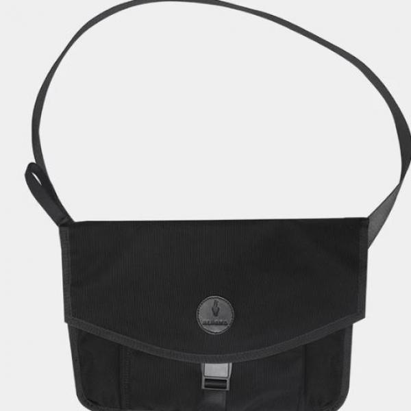 Alpaka Alpha Sling XL Bags 1
